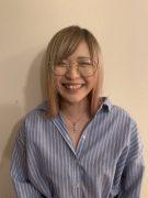 アシスタント 突田咲